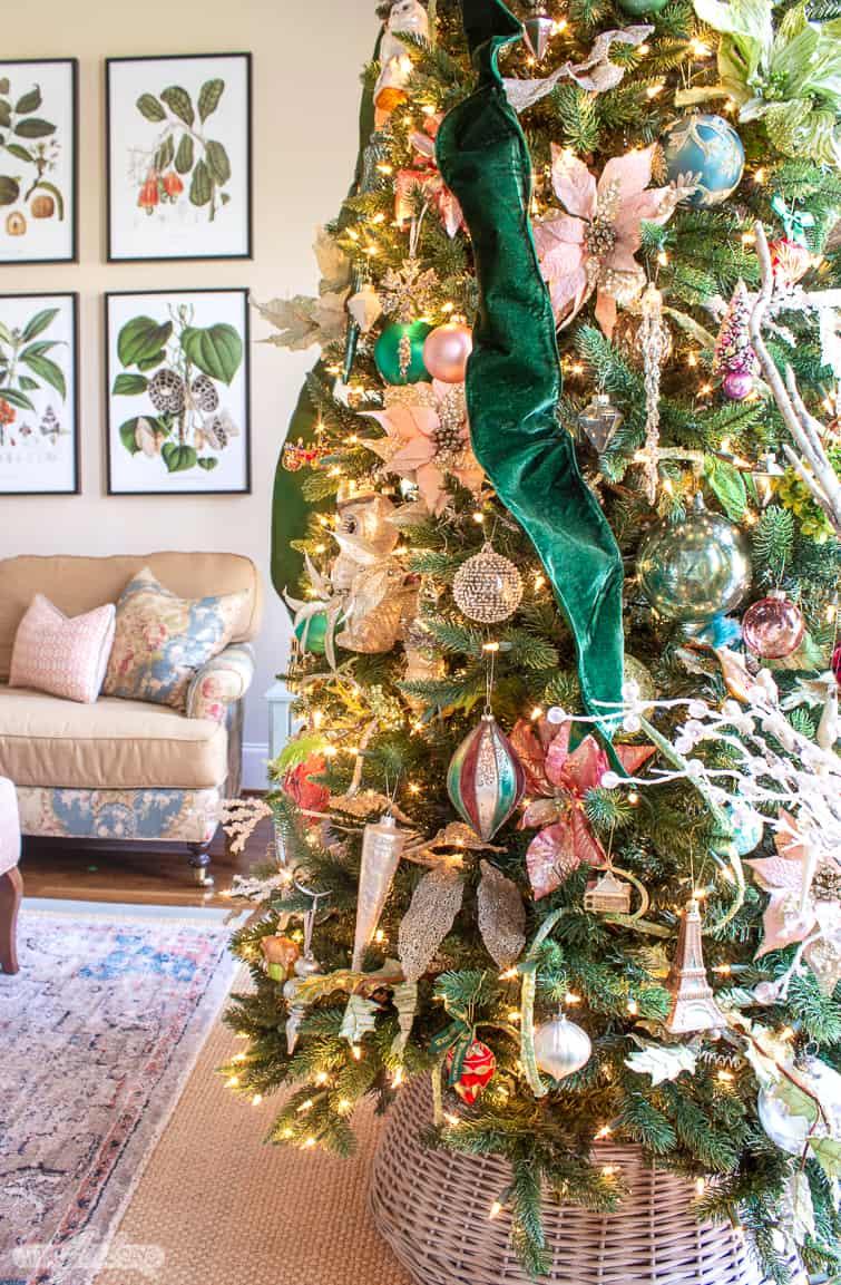Elegant Christmas Tree Decorated With Velvet Ribbon Glass Ornaments